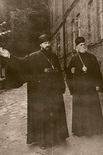 29 августа 1953 г. с митр. Григорием в Псково-Печерском м-ре