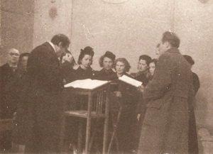 фото хора, которым руководит в Зальцбурге
