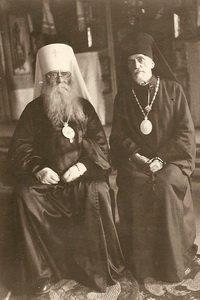 С митрополитом Сергием 14 октября 1942 года в Ульяновске