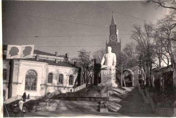 Памятник Сталину в Киеве