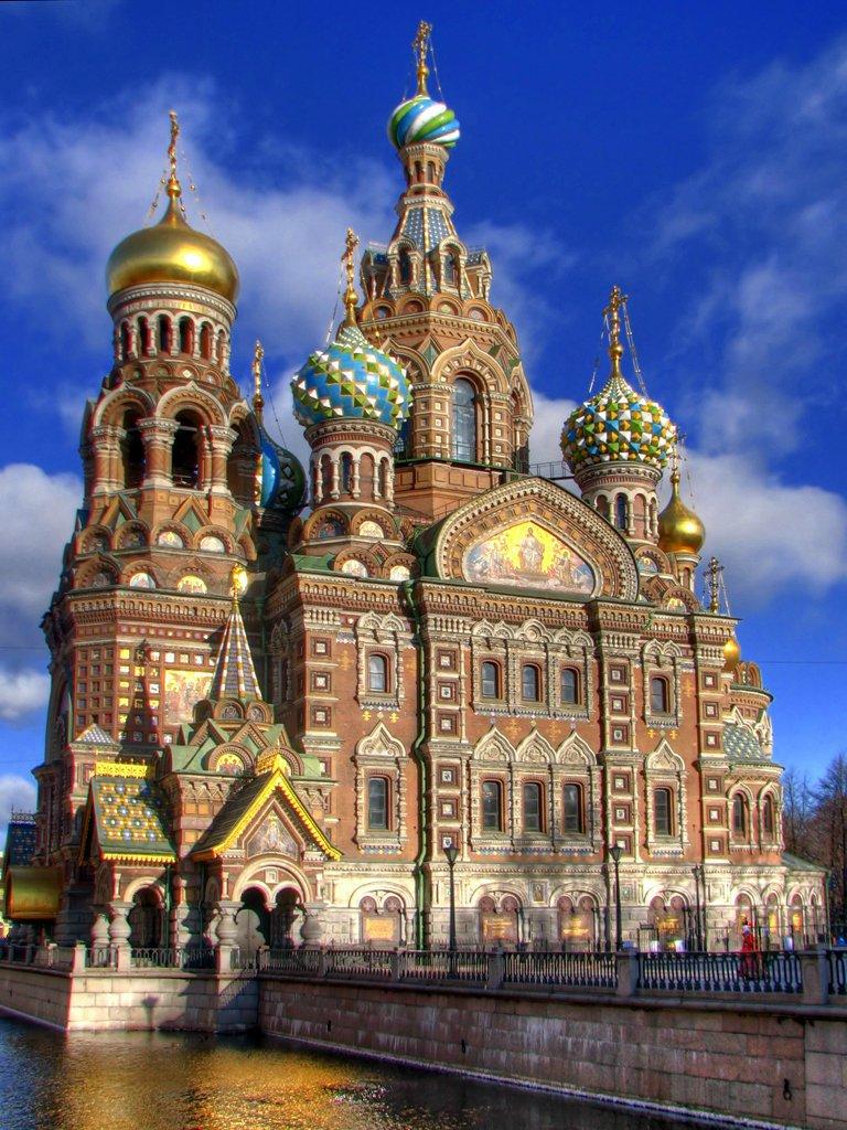 Храм Спаса-на-Крови.  Внутренние реформы Александра II сравнимы по своему масштабу.