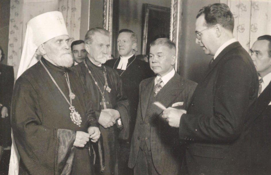 митрополит Григорий на приеме у министра народного просвещения Финляндии.