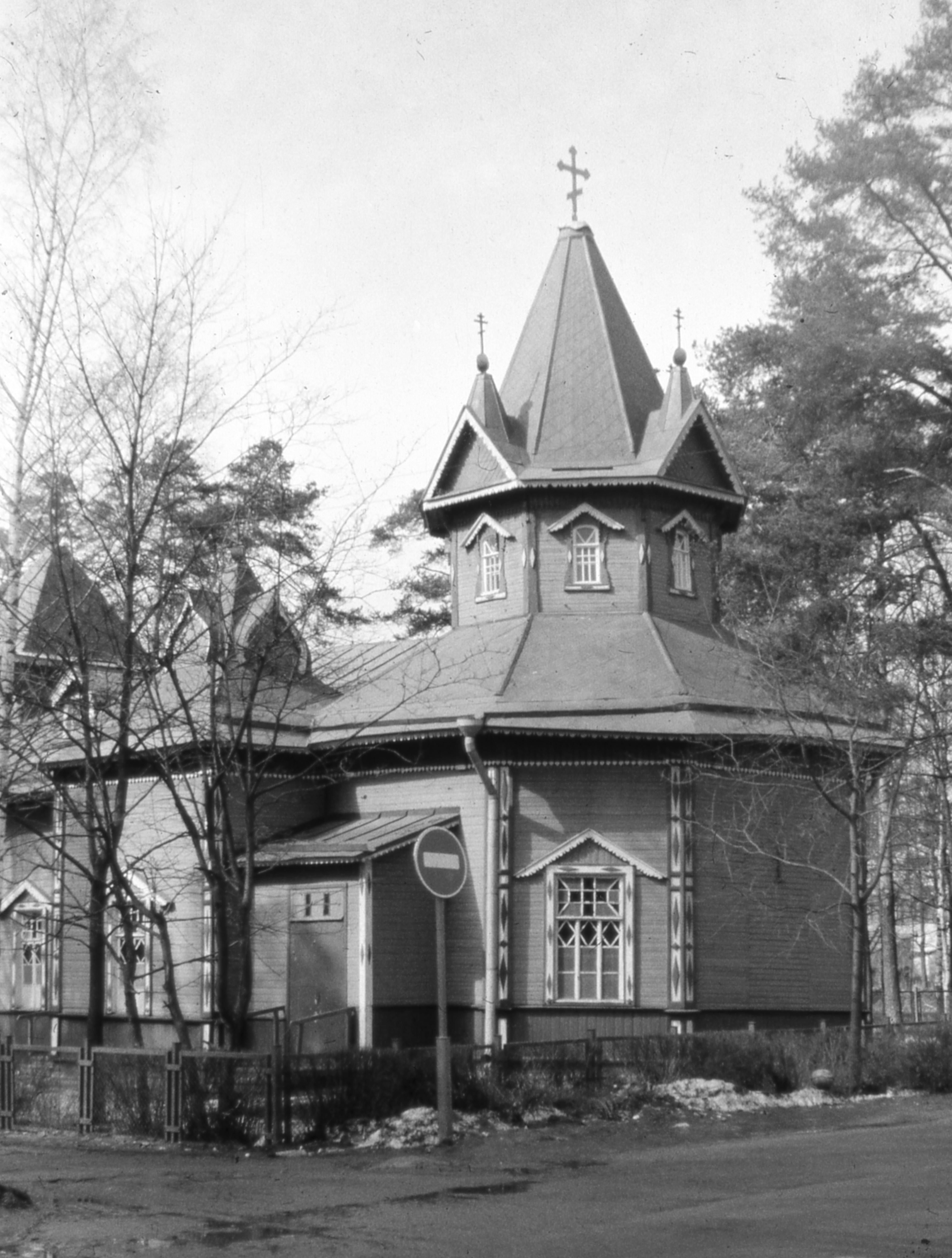Всеволжская Троицкая церковь