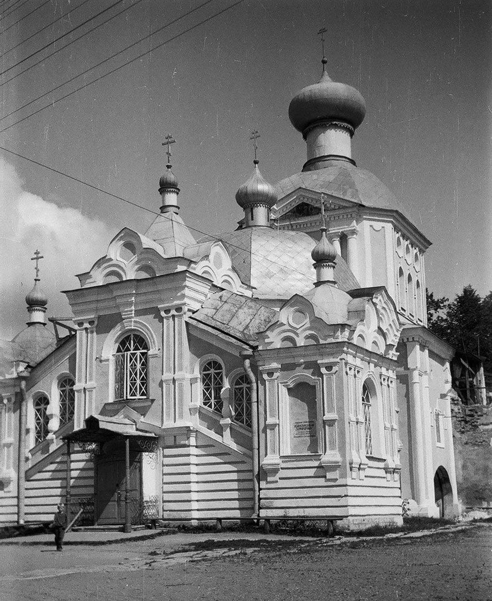 Церковь в г. Тихвине