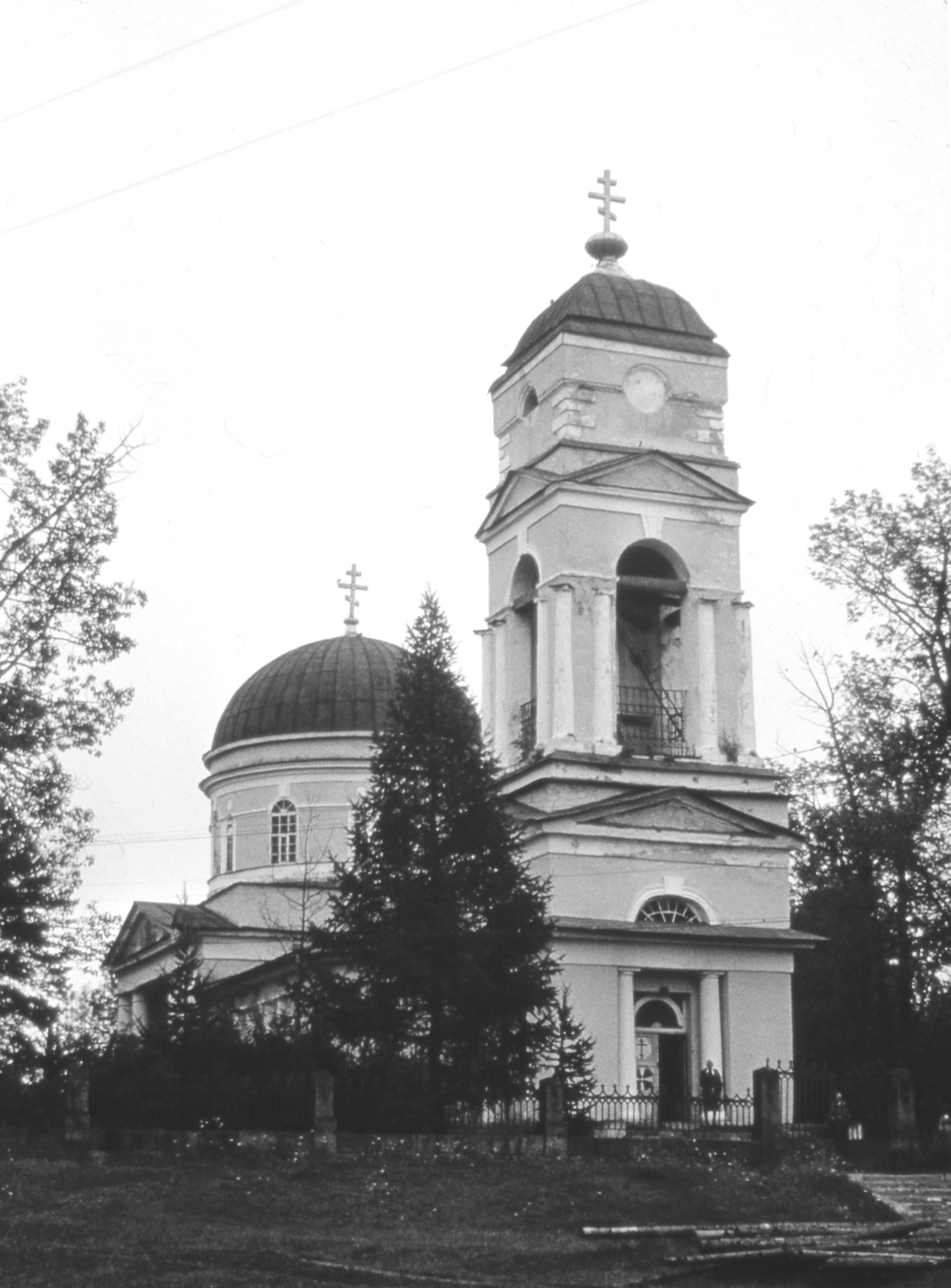Сомино. Петропавловская церковь