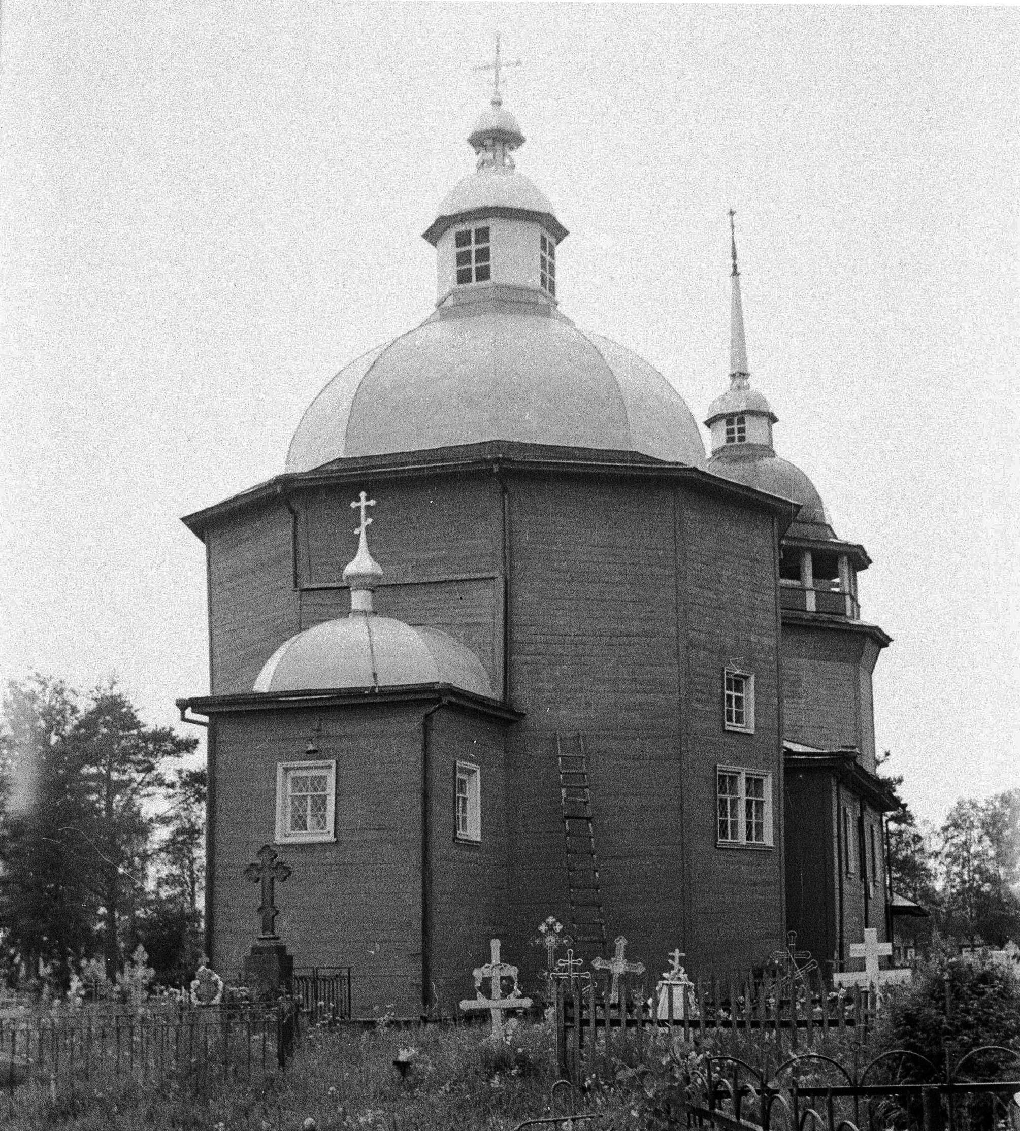 Важины. Воскресенская церковь